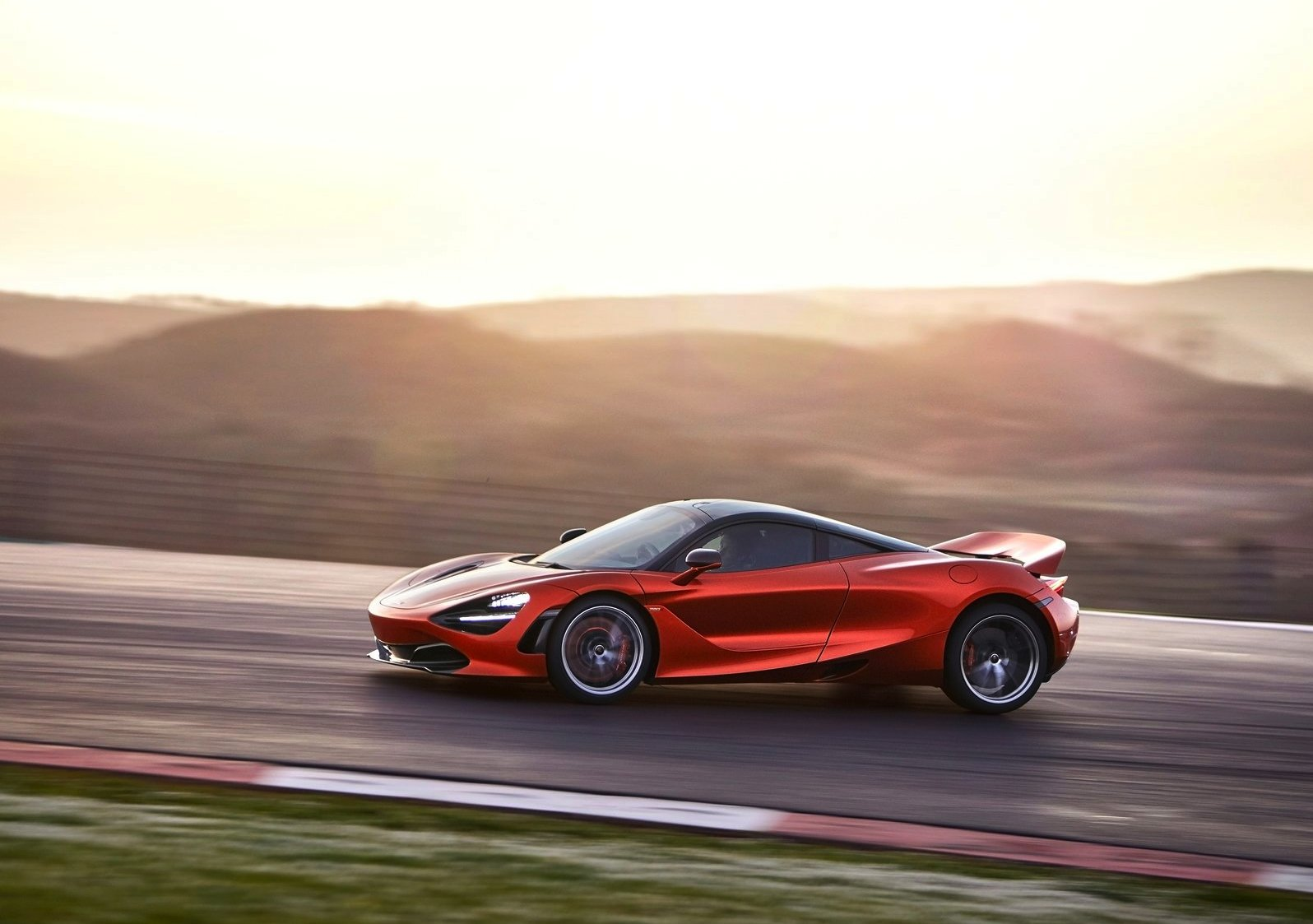 /data/MediaLibrary/articles/11177/mclaren-720s.jpg