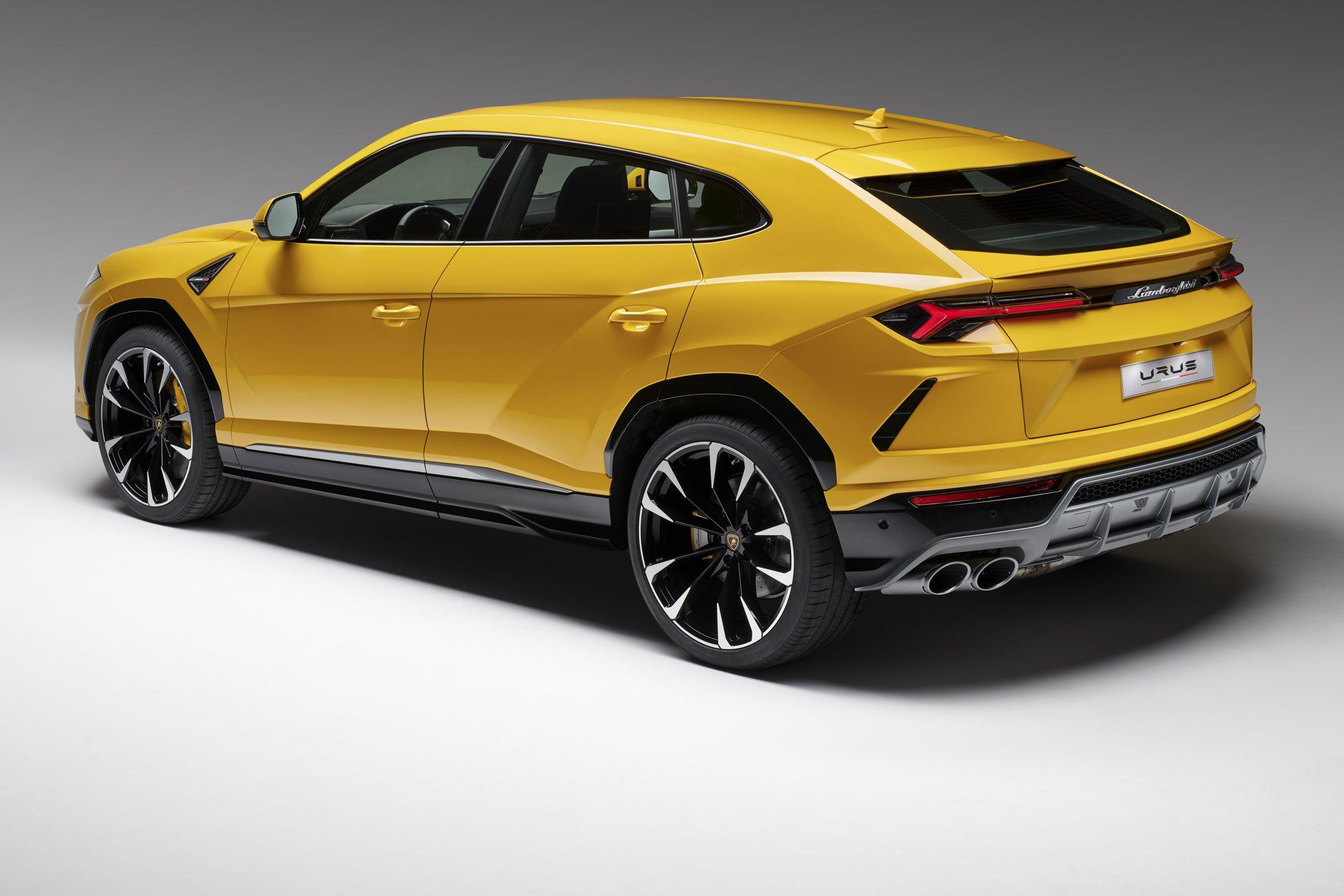 Lamborghini predstavuje svojho nového býka Urus 5